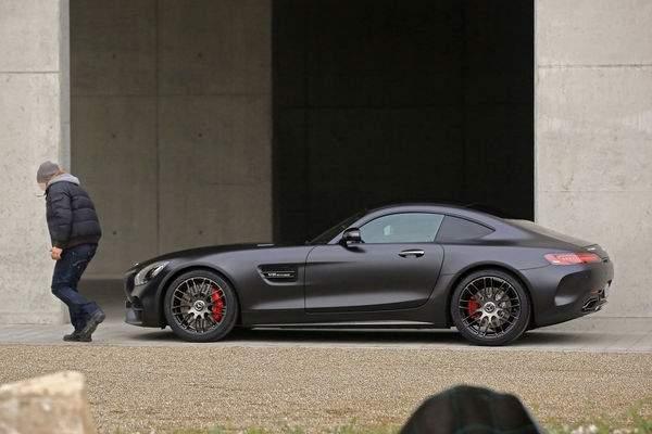 Erlkoenig-Mercedes-AMG-GT-C-MobileRelaunch_600x400-9ba4a073-996413