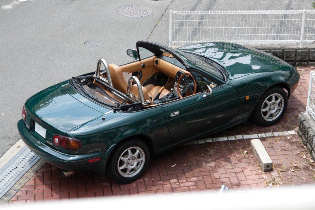 Mazda_Eunos_Roadster_V-special_Green2