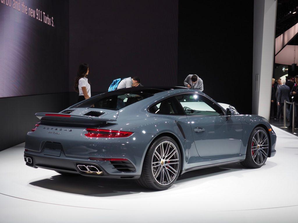 2016-NAIAS-Porsche-911-Turbo-Graphite-Blue-Metallic2