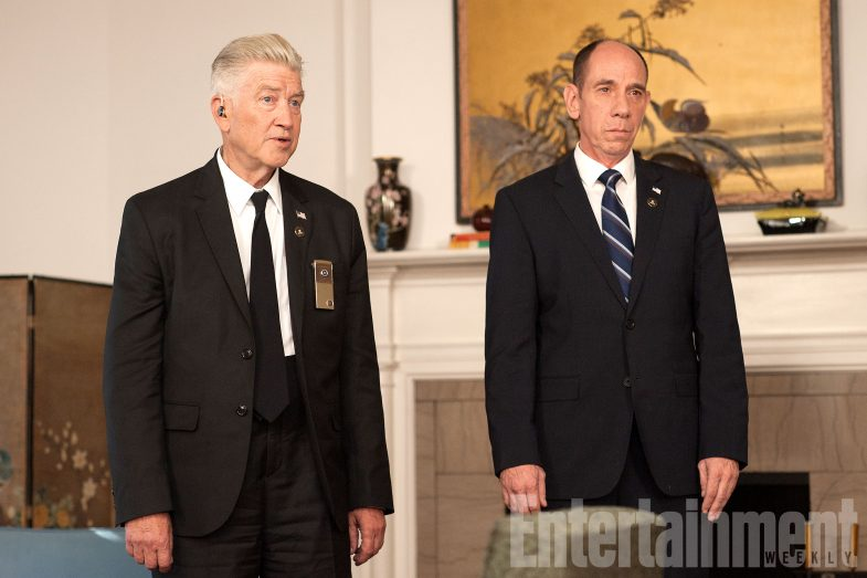new-twin-peaks-behind-the-scenes-david-lynch-miguel-ferrer-785x523