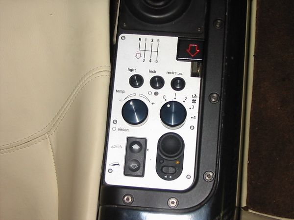 right_side_controls-M