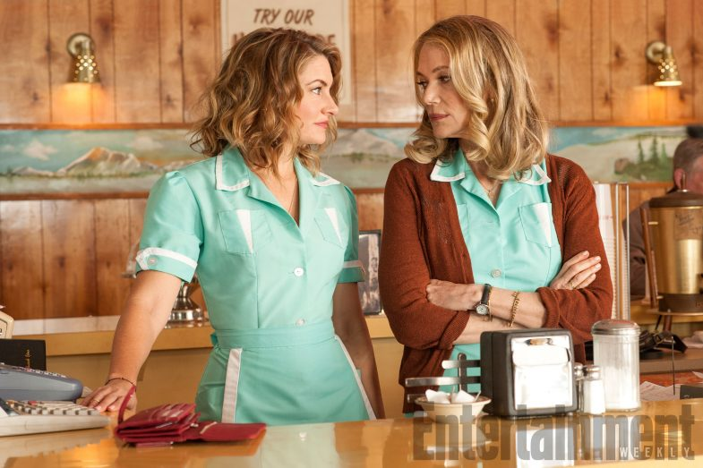 new-twin-peaks-behind-the-scenes-madchen-amick-peggy-lipton-785x523