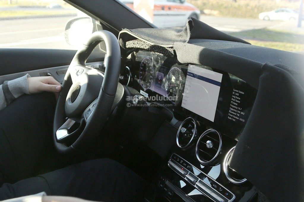 2018-mercedes-c-class-facelift-interior-spyshots-s-class-digital-dashboard-could-bow-in-coupe_7