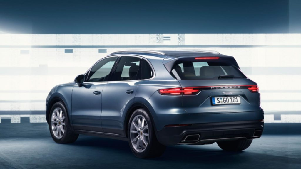 2018-porsche-cayenne-leaked-official-image-1