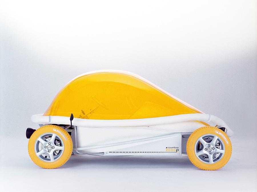 Zooop-car-Courreges-1
