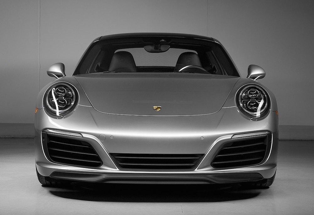Porsche-911-Carrera-S-0