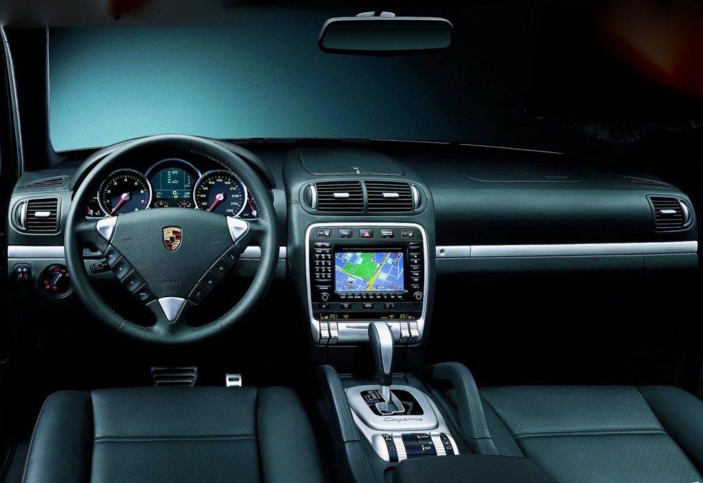 Porsche-Cayenne_Turbo-2004-1600-26