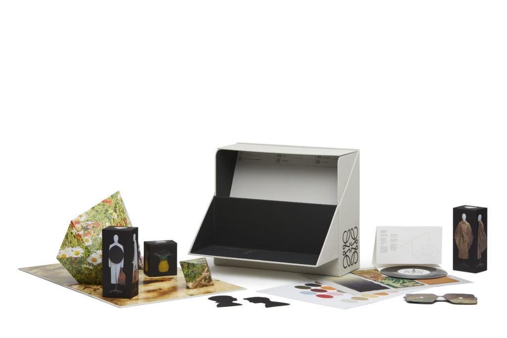 LOEWE_SHOW-IN A BOX17980